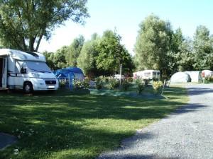 Camping 3 étoiles avec grands emplacements nature en Vendée