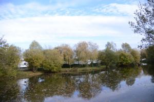 Bon camping 3 étoiles avec étang de pêche en Vendée