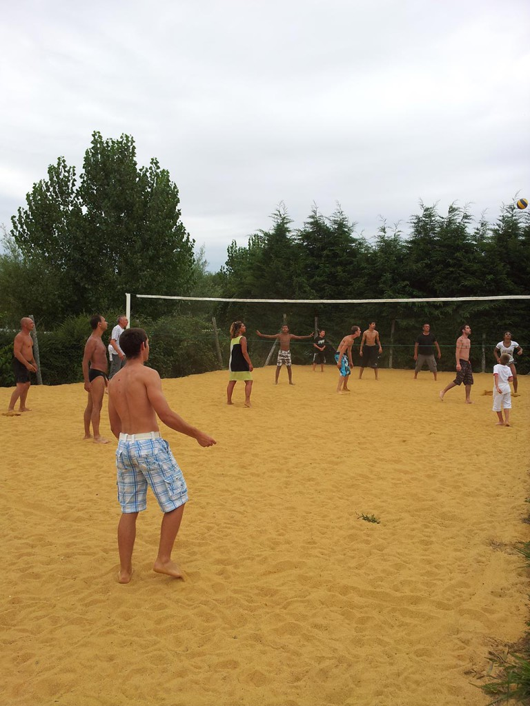 beach-volley camping