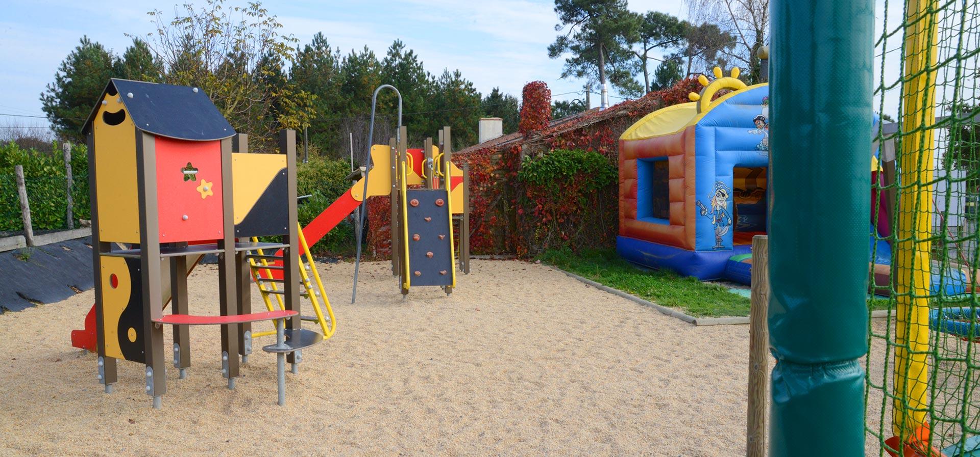 camping avec aire de jeux enfants