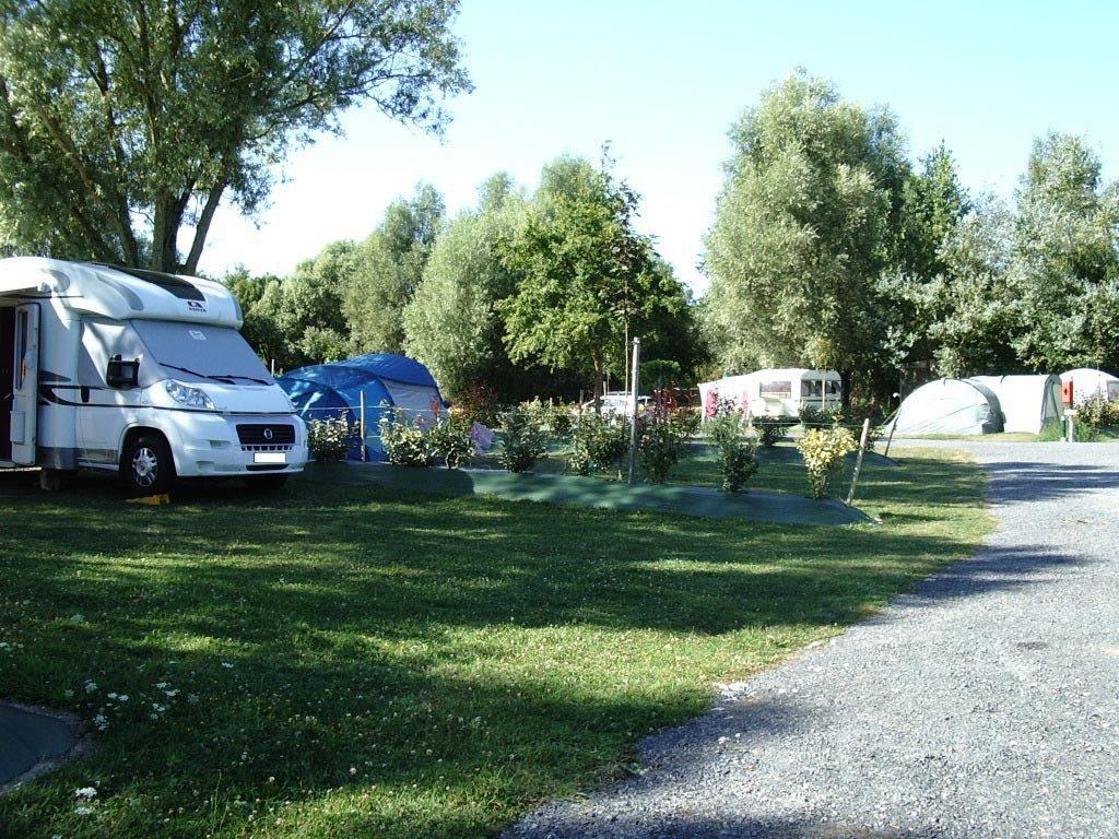 camping avec grand emplacement en Vendée