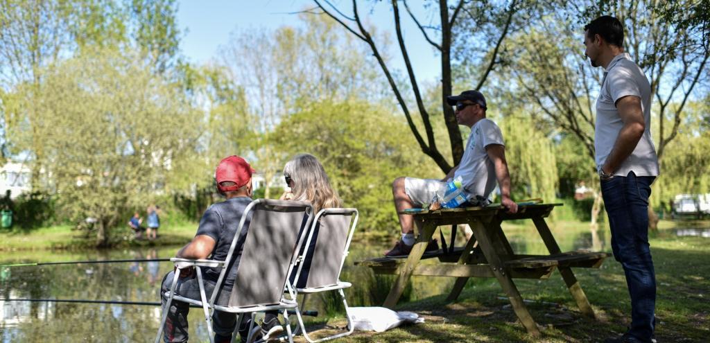 Camping calme et nature avec pêche